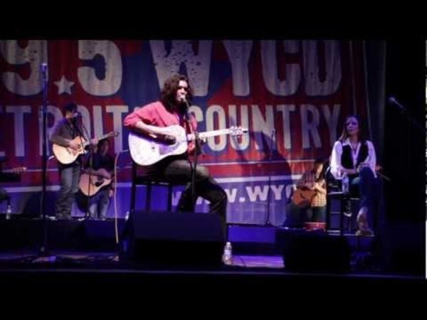 Andy Gibson Performs as part of the 10 Man Jam for 99.5 WYCD