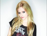 Avril Lavigne in her Abbey Dawn Japan T-Shirt
