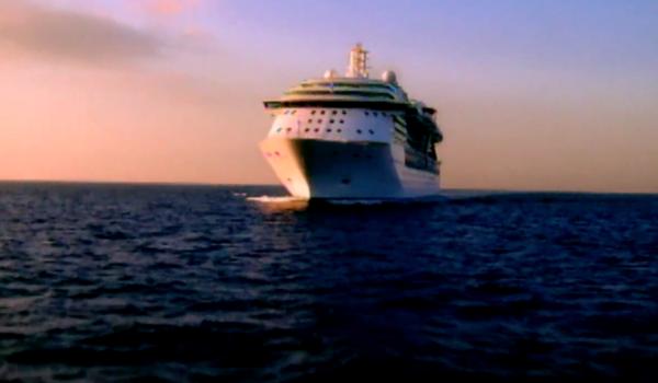 Cruise Ship 2016