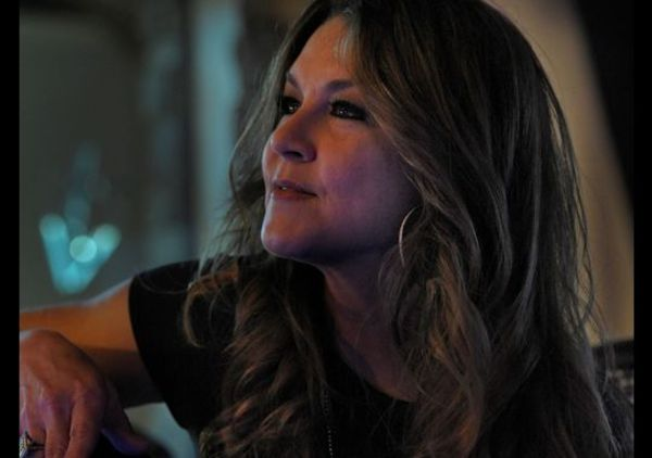 'Redneck Woman' Gretchen Wilson shifts gears