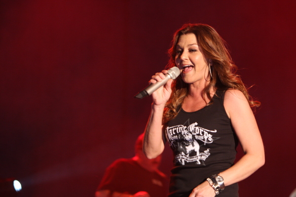 Gretchen Wilson is still a 'Redneck Woman,' but doesn't listen to country music