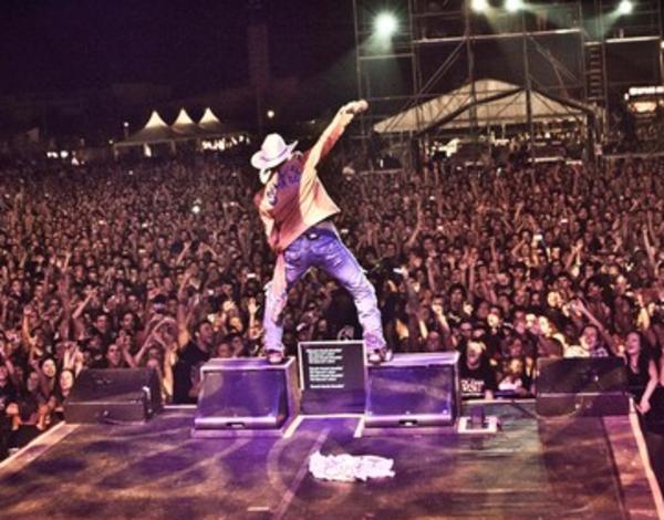 Guns N' Roses - Invade Paris 1992