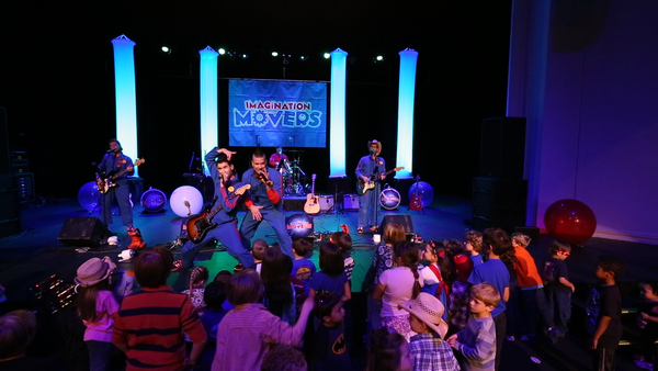 Movers in 2016 coast to coast imagination movers for Moving from new york to la