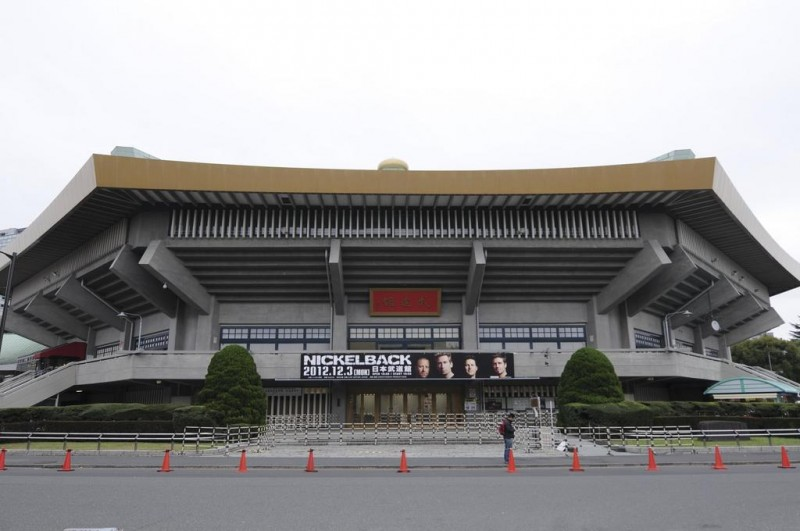 Konnichiwa BUDOKAN!! We can't believe we're actually here! Tokyo is ready to rock!