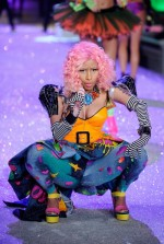 Nov 9 - 2011 Victoria's Secret Fashion Show - Performance