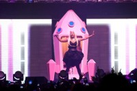 'Pink Friday RELOADED Tour'