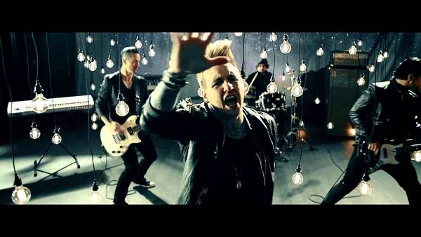Papa Roach - Gravity (feat. Maria Brink) (Official Video)