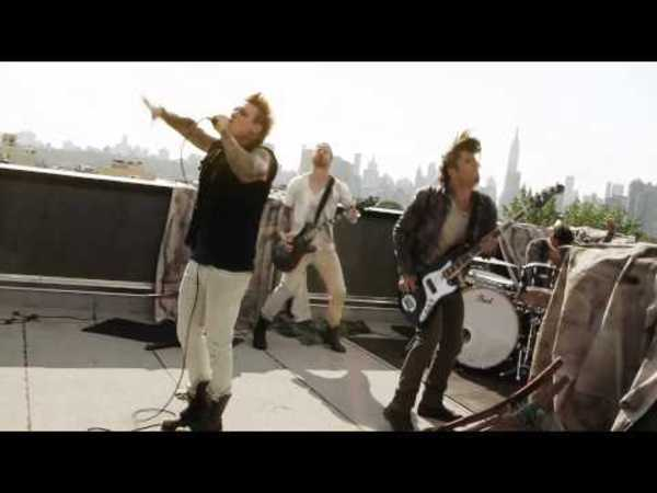 Papa Roach - Still Swingin (Behind the Scenes) (@paparoach)