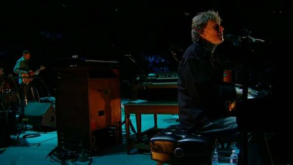"Steve Winwood and Eric Clapton - ""No Face, No Name, No Number"" - Live at Madison Square Garden, 2008"