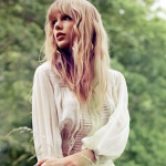 REDswiftie4EVER13 avatar