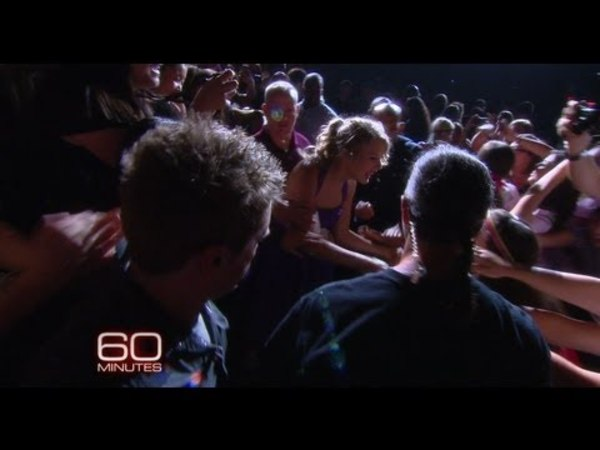 60 Minutes- Taylor Talks Hugging Fans