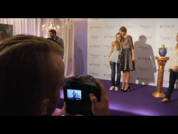 Taylor Swift WONDERSTRUCK In-Store Appearances